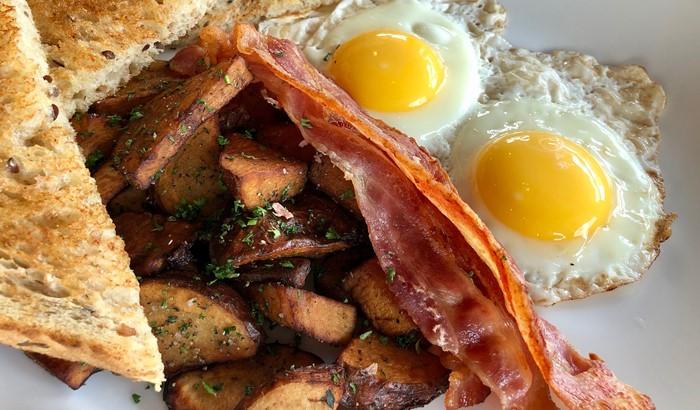 Bacon ang Eggs